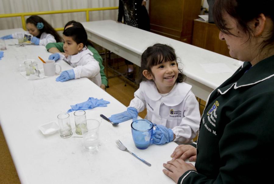 Niños y niñas de jardín infantil fueron «Científicos por un día»